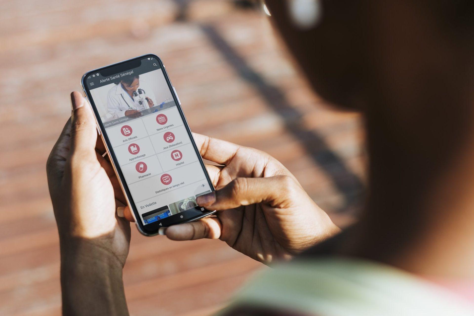 Une application mobile et une intelligence artificielle dans la bataille contre le COVID-19